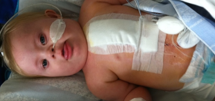 Barn på sjukhus bandage efter operation